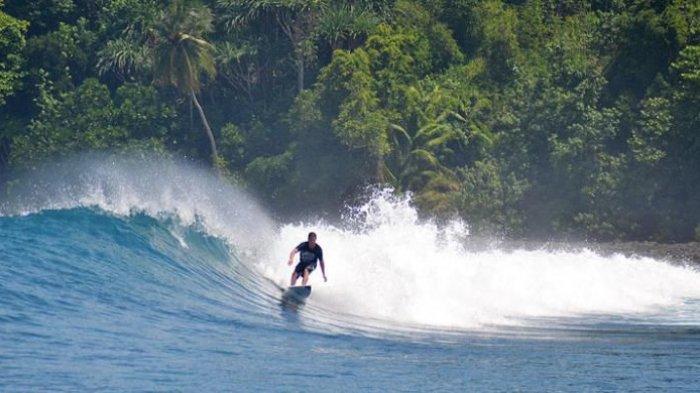 5 Alasan Ini Membuat Indonesia Layak jadi Destinasi Surfing Kelas Dunia
