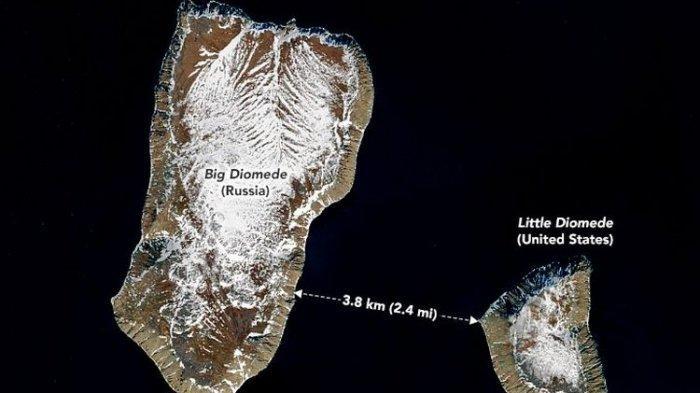 2 Pulau di Selat Bering Ini Jaraknya Cuma 3,8 Km tapi Punya Perbedaan Waktu 21 Jam, Kok Bisa?