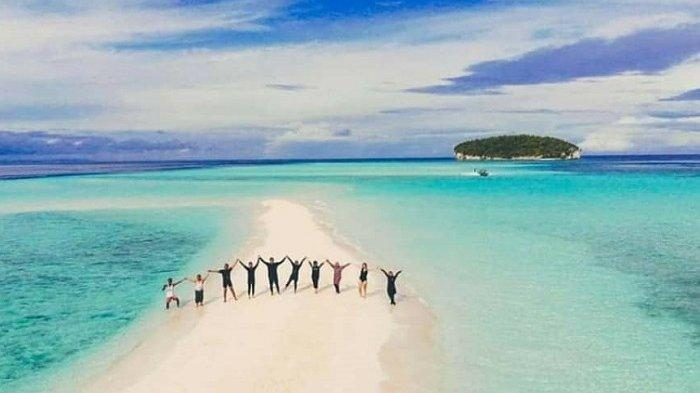 Raja Ampat dan 9 Pulau Terbaik di Indonesia yang Wajib Dijelajahi