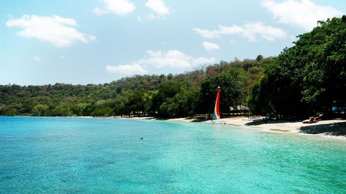 Pulau Moyo NTB - Liburan Seru di Lokasi Berendam Putri Inggris Lady Di