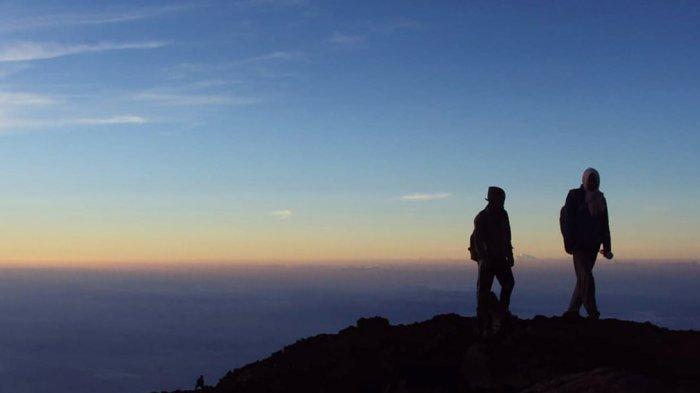 Kemenpar Imbau Pendaki Waspada Cuaca Ekstrem di Gunung Saat Musim Hujan