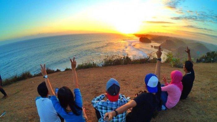 Indahnya Sunset di Puncak Kosakora, Tempat Camping Terbaik di Gunungkidul