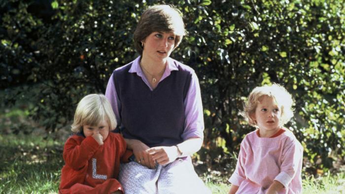 Ternyata Satu Aturan Kerajaan Inggris Ini Sering Dilanggar Oleh Putri Diana Saat Traveling