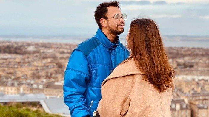 Liburan Artis - Raffi Ahmad ke Spanyol, Berfoto di Tempat Syuting Drama Memories of the Alhambra