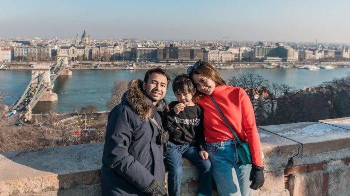 4 Bulan Rehat dari Dunia Hiburan, Raffi Ahmad Bahagia Bisa Liburan Bareng Istri dan Anak