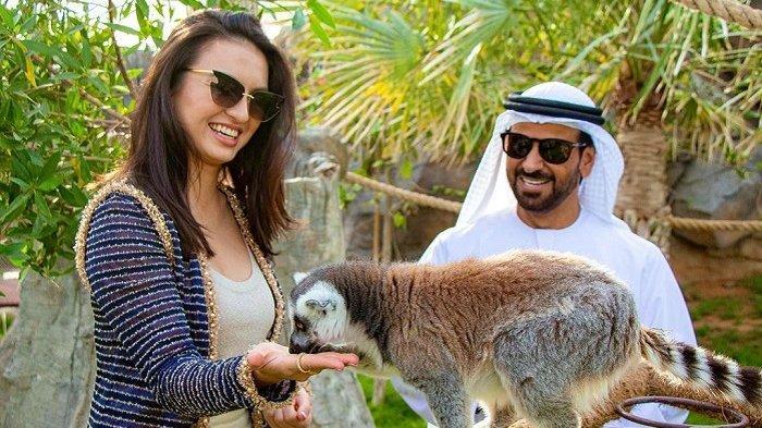 Intip 5 Potret Liburan Raline Shah di Dubai, Bermalam di Dekat Gurun Pasir hingga Beri Makan Satwa