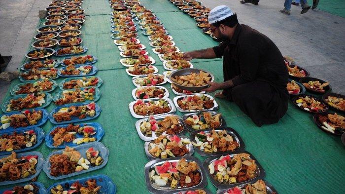 5 Tradisi Unik Bulan Ramadan di Berbagai Negara, Muslim Maladewa Baca Puisi setelah Berbuka