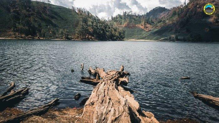 5 Danau Unik di Indonesia Ini Cuma Bisa Dijangkau dengan Mendaki Gunung, Pernah Kunjungi yang Mana?