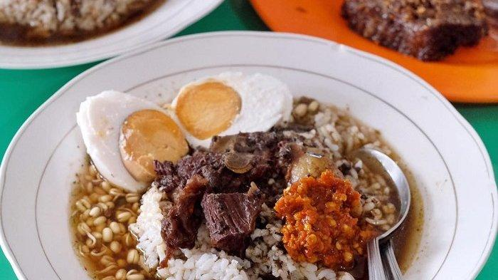 Rawon Khas Jawa Timur Dapat Predikat Sup Terenak di Asia