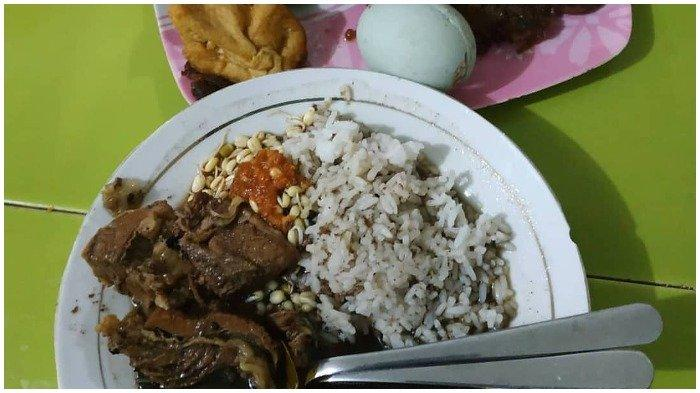 5 Tempat Makan Rawon Enak di Surabaya, Cobain Nikmatnya Rawon Setan yang Legendaris