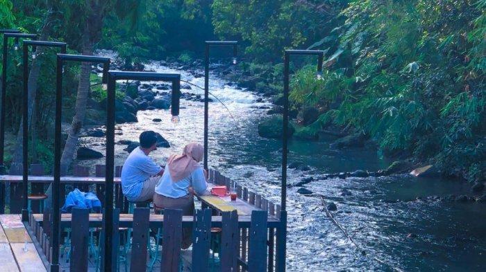 Menikmati Sensasi Makan di Pinggir Sungai Ala Resto New Rivermoon Klaten