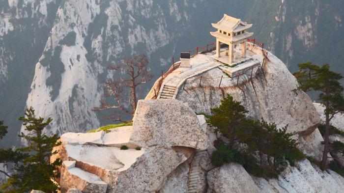 6 Restoran Paling Berbahaya di Dunia yang Menarik untuk Dikunjungi, Ada yang Berada di Puncak Tebing