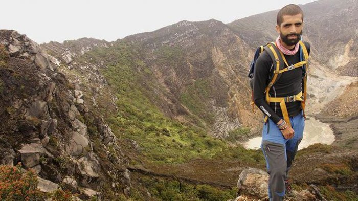 9 Perlengkapan yang Wajib Dibawa saat Mendaki Gunung, Ada Jas Hujan hingga Perlengkapan P3K
