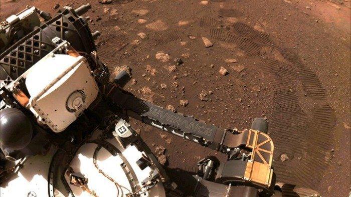 Robot Perseverance NASA Akhirnya Lakukan Penjelajahan Pertama di Permukaan Planet Mars