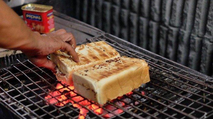 7 Kuliner Malam Enak di Jember, Cicipi Lezatnya Pangsit Mi Rama yang Mengenyangkan