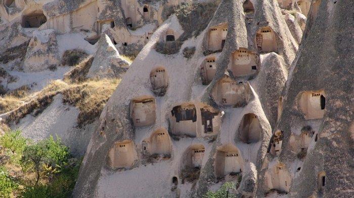 6 Formasi Geologis Unik Ini Terbentuk Secara Alami, Termasuk Rumah Peri Cerobong Asap di Turki