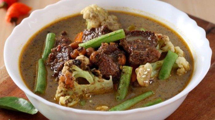 Resep Spicy Brongkos Enak untuk Makan Malam, Bisa Pakai Daging Kurban