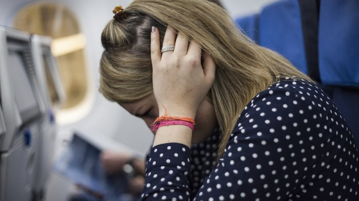 3 Cara Sederhana Redakan Rasa Tersumbat pada Telinga Ketika Berada dalam Pesawat
