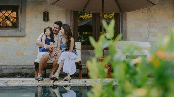 Samuel Zylgwyn Ajak Keluarga Liburan di Bali, Intip Aktivitas Serunya hingga Rayakan Ulang Tahun