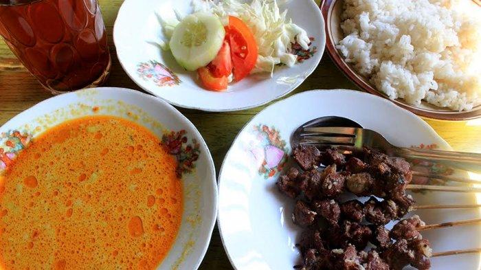 Nasi Teri Gejayan Pak Dul dan 4 Kuliner Malam di Jogja yang Menarik untuk Dicicipi