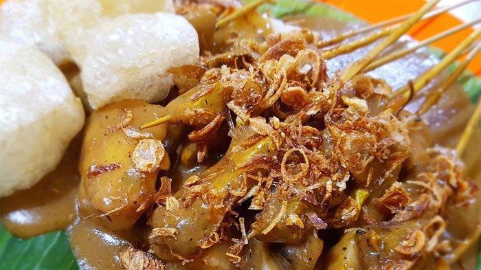 7 Kuliner Malam di Jakarta, Ada Roti Bakar Eddy hingga Sate Padang Ajo Ramon