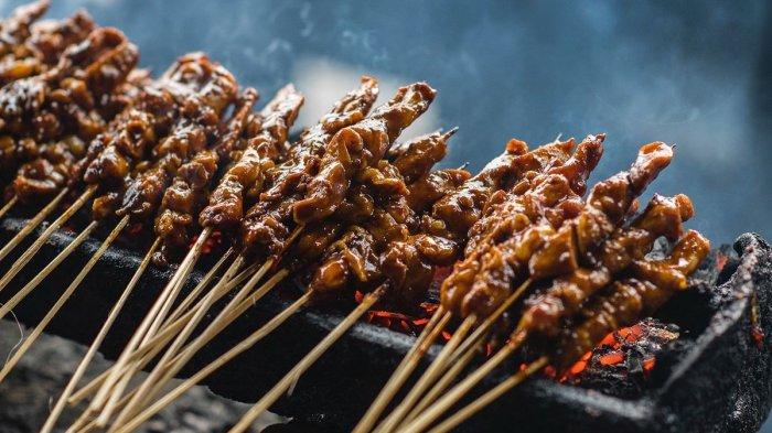 6 Street Food Paling Populer di Asia, Termasuk Sate Khas Indonesia yang Melegenda