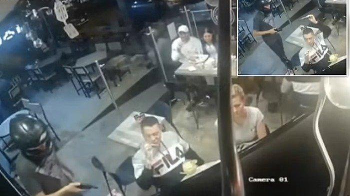 Viral Video, Seorang Pria Tetap Tenang Makan Sayap Ayam Meski Ditodong Pistol