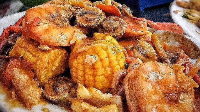 Mencicipi Seafood 99, Kuliner Malam Legendaris di Jakarta yang Sudah Eksis Sejak 1972