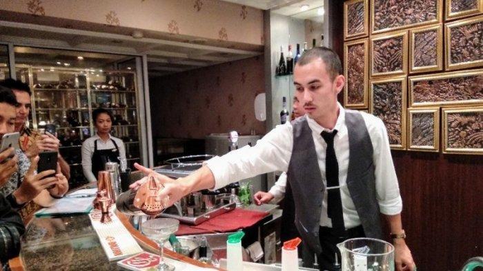 The Phoenix Hotel Hadirkan Mixologist asal Prancis, Peramu Minuman Sesuai Karakter Tamu