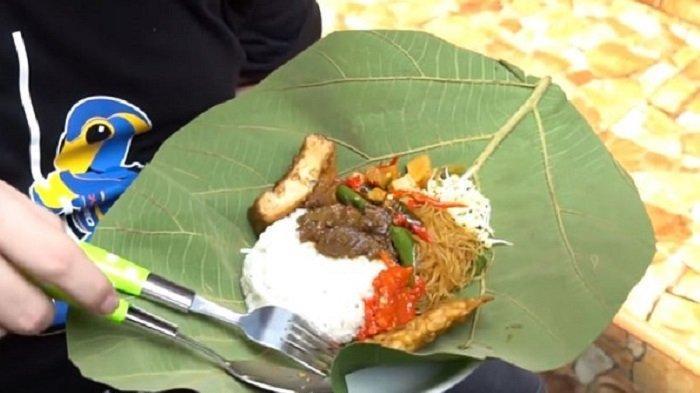 Kuliner Hidden Gem di Jakarta, Ada Sego Berkat Laris Manis Meski Dalam Gang Sempit