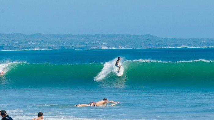 Ingin Tunggangi Ombak Lautan? Ini 3 Spot Surfing Terbaik di Wilayah Kuta Utara, Bali