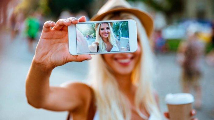 7 Aksi Selfie Berujung Maut yang Viral di Medsos, Tergelincir di Tebing hingga Diserang Jaguar