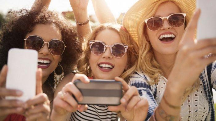 5 Zodiak Ini Selalu Terlihat Berjiwa Muda Penuh Semangat, Cocok Jadi Teman Hangouts Bareng