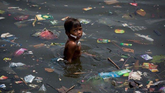12 Potret Menyedihkan Muka Bumi yang Dipenuhi Polusi dan Sampah Ciptaan Manusia
