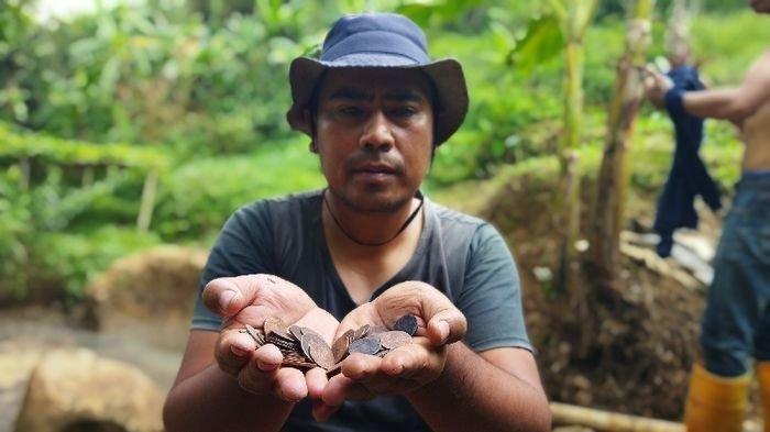 Niat Gali Tanah untuk Bangun Wisata Pemandian, Petani di Bandung Barat Temukan Ratusan Uang Kuno