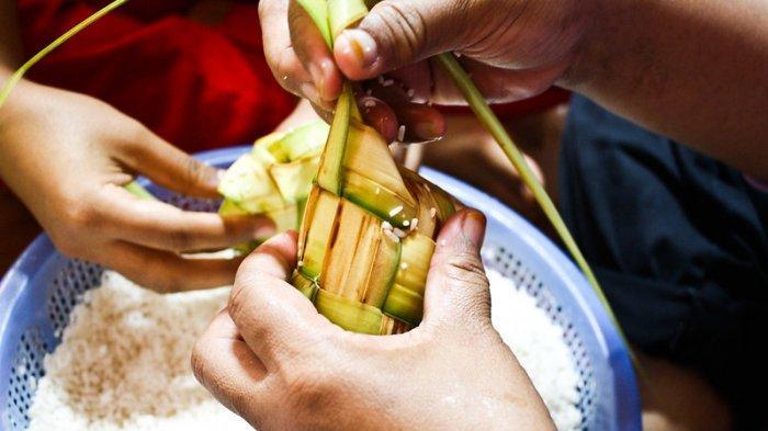 Mengenal Tradisi Lebaran Ketupat, Tradisi Lebarannya Masyarakat Jawa yang Penuh Makna
