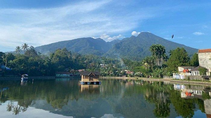 TRAVEL UPDATE: Setu Tamansari Bogor, Tempat Bersantai dengan View Pegunungan yang Indah