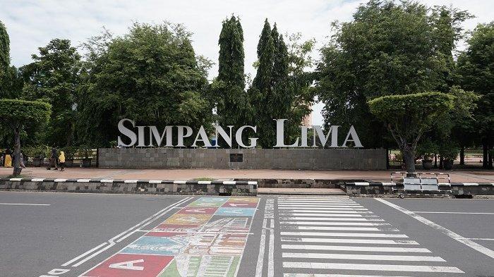 Kawasan Simpang Lima Semarang, Minggu (26/1/2020).