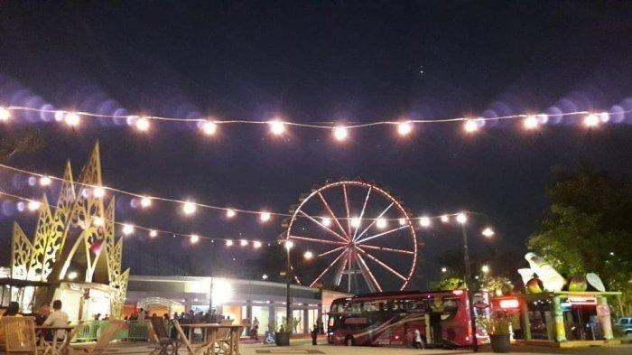 Sindu Kusuma Edupark malam hari