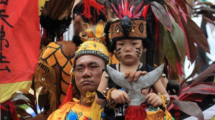 Perayaan Imlek dan Cap Go Meh 2020 di Singkawang, Ada Pawai Lampion hingga Prosesi Buka Mata Naga