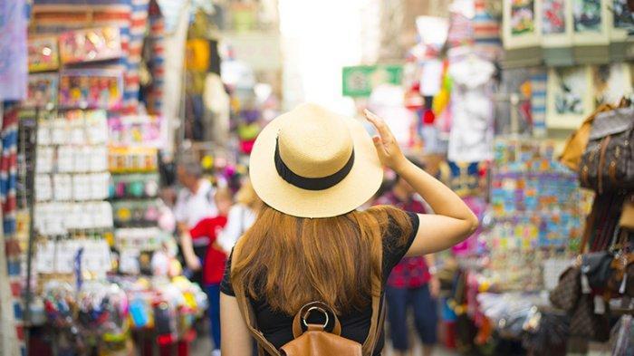 7 Tips Solo Traveling yang Aman untuk Perempuan