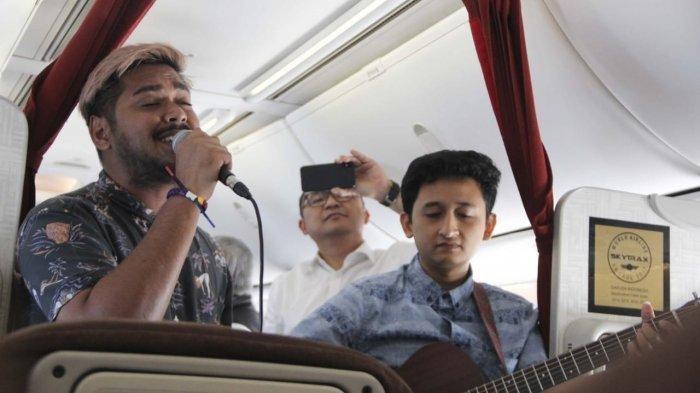 Garuda Indonesia Hadirkan Live Akustik Bersama Abdul Indonesian Idol di Rute Jakarta-Denpasar