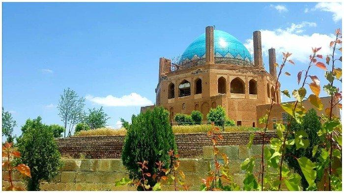 7 Potret Masjid Terindah di Iran dengan Arsitektur Unik dan Megah