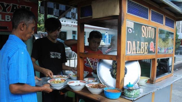 Soto Ayam Pak Dalbe