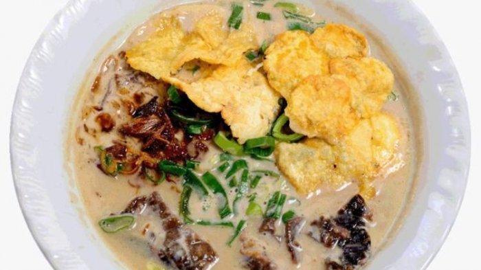 Soto Betawi Haji Maruf kuliner legendaris Jakarta.