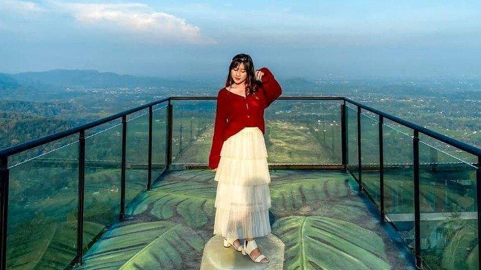 Harga Tiket Masuk Obelix Hills Terbaru Lengkap dengan Jam Bukanya