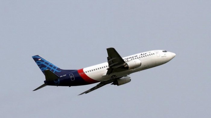 Pesawat Sriwijaya Air tinggal landas meninggalkan Bandara Soekarno-Hatta.