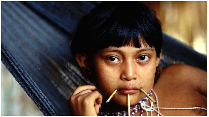 8 Standar Kecantikan Tradisional Ini Libatkan Modifikasi Tubuh Ekstrem, Termasuk Indonesia