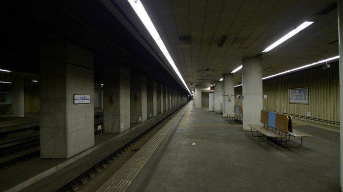 Suasana Mencekam Jalur Kereta Terpendek di Jepang Ini Disebut Mirip Lokasi Film Horor