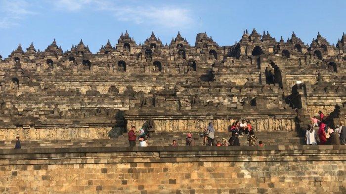 Suasana Candi Borobudur Sabtu pagi (13/7/2019)